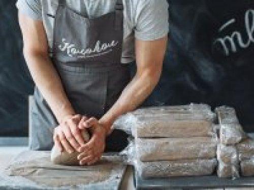 Мастер- педагог в гончарную школу Колокол